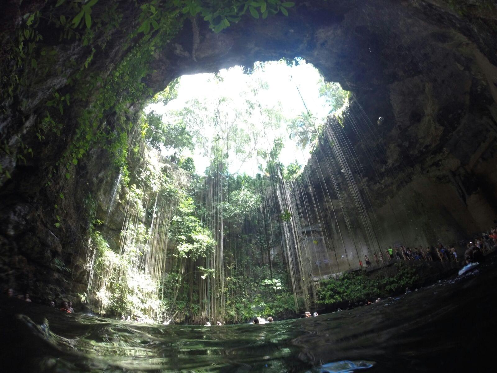 Cenote Ik Kil en Riviera Maya